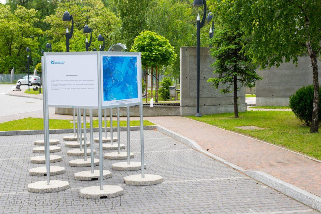 Wystawa Plenerowa w Instytucie Odlewnictwa - widok z boku