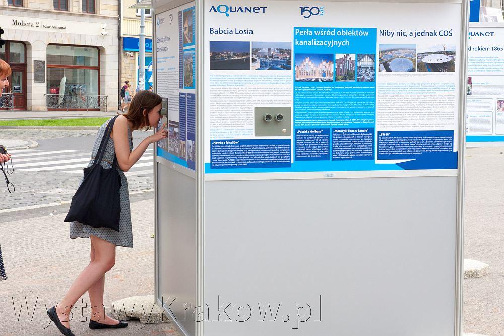 Wystawa plenerowa w Poznaniu - ekspozycja została wykonana z myślą o widzach. Budzi duże zainteresowanie.