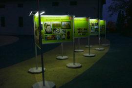 Wystawa Plenerowa w Brzeźnicy oświetlona LED-ami - w nocy wygląda obłędnie
