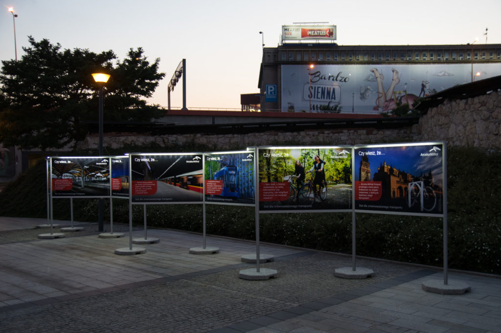 Wystawa z oświetleniem