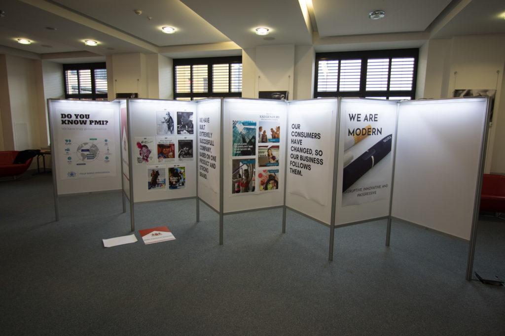 Ścianki konferencyjne